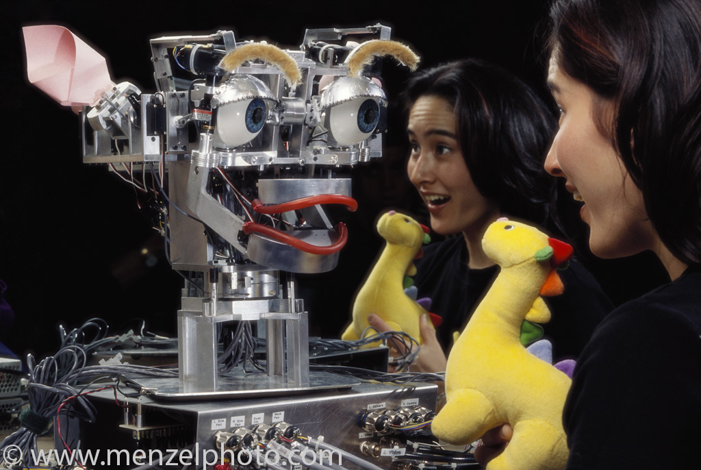 kismet-an-ai-with-artificial-emotions-playing-with-inventor-dr-cynthia-breazeal